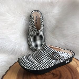 Alegria gingham clogs